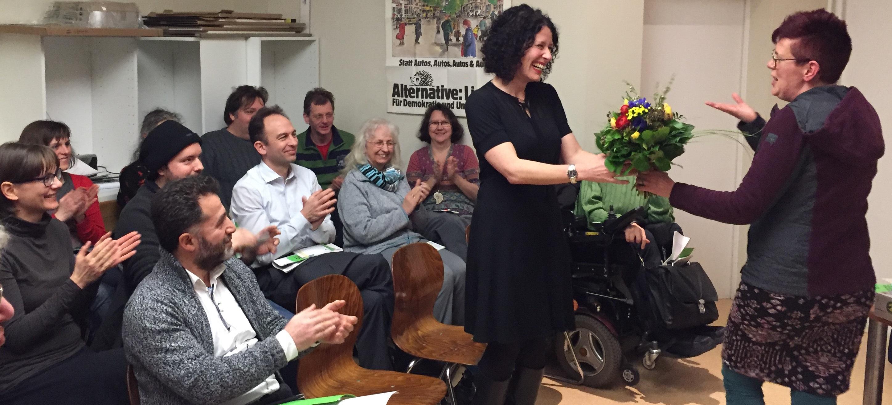 Bild von der Wahl Bettina Jarasch zur Direktkandidatin im Wahlkreis Spandau